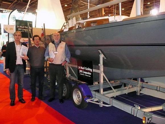 De gauche à droite : Ph. Garret, responsable So Much Yachting - Y. Delbende, membre AFPR - Ph. Petit-Jean, président de l'AFPR.