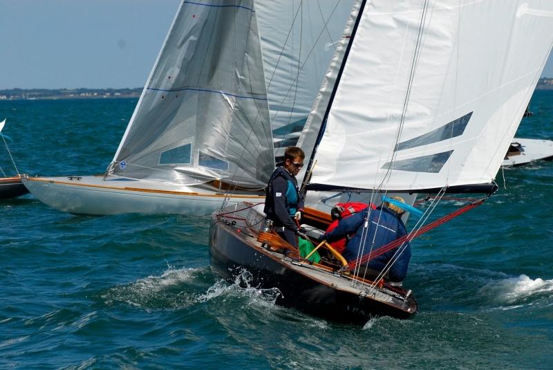 Série sur les règles de course, épisode 4 : bâbord amure à la marque au vent